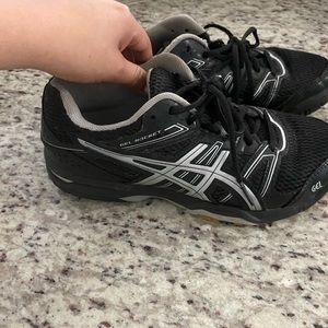 Ascis volleyball shoes
